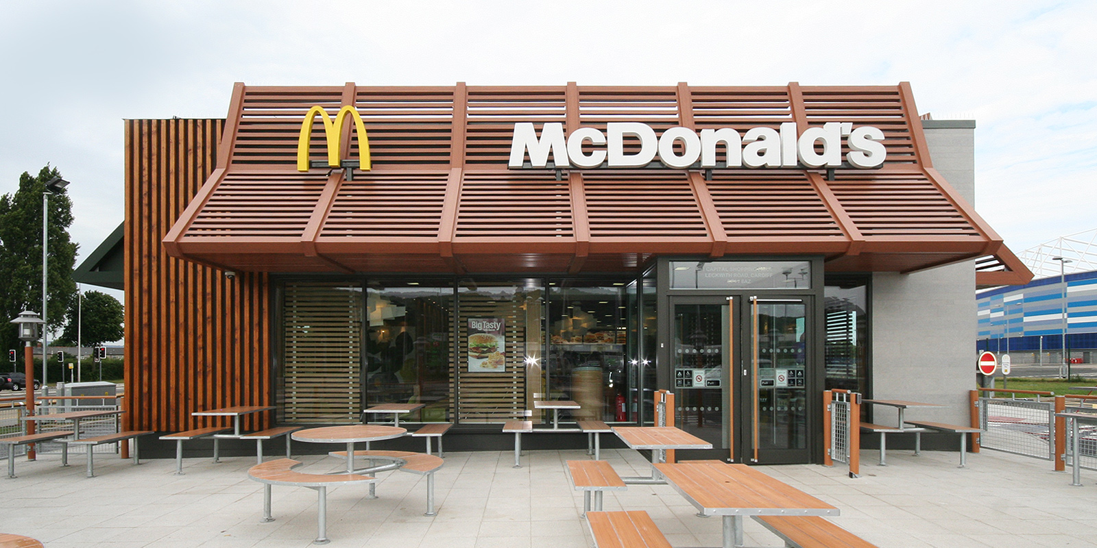 mcdonalds restaurant architecture